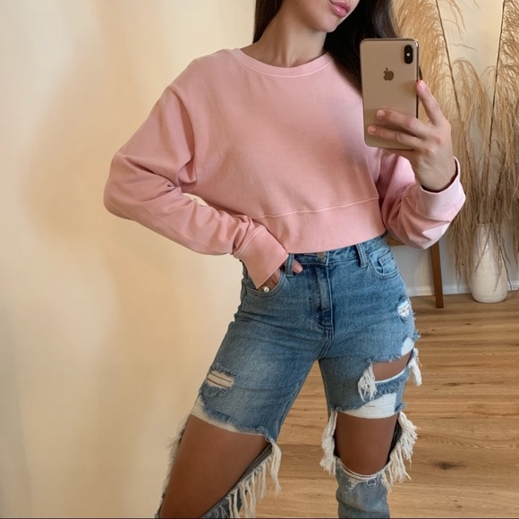 Grand cropped sweater 💗